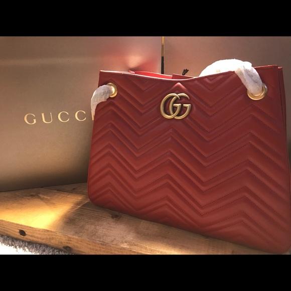 a094f25537f6 Red Gucci shoulder bag